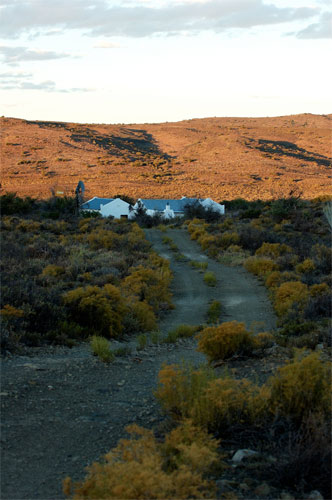 Grootwaterval Lodge - 7km from the farmhouse in the silence of the Karoo